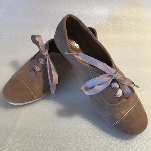 Clarks brand leather women's shoes